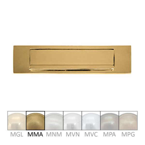 Briefklappe Material: Messing für Wohnungseingangstüre außen Außenmaße: L 300 mm x H 62 mm x T 15 mm Einwurfmaße: L 230 x H 37 mm Der Serie BK010 Bild1