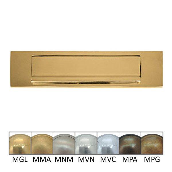 Briefklappe Material: Messing für Wohnungseingangstüre außen Außenmaße: L 250 mm x H 65 mm x T 15 mm Einwurfmaße: L 176 x H 37 mm Der Serie BK010 Bild1
