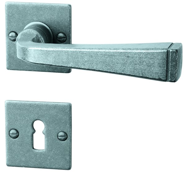 Rosettengarnitur in Eisen thermopatiniert ® (BB). Rosette: 52x52 mm, Griff: 120 mm Bild1