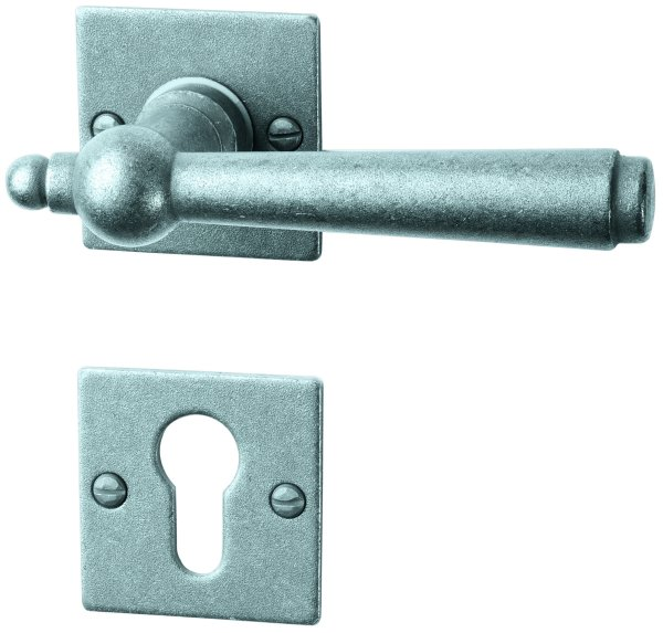 Rosettengarnitur in Eisen thermopatiniert ® (PZ). Rosette: 52x52 mm, Griff: 125 mm Bild1
