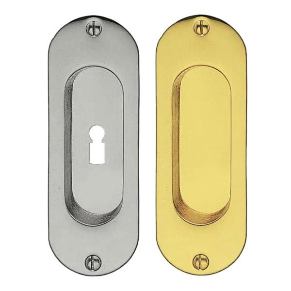 Schiebetürgriffmuschel Material: Messing Erläuterungen: Messingguss Hohe x Breite: 113 mm x 40 mm Materialstärke ( Auflage ): 3 mm Einbautiefe: 10 mm Gesamtauflage: 13 mm Diesen Artikel können Sie auf Wunsch ebenfalls in verschiedenen Oberflächen-