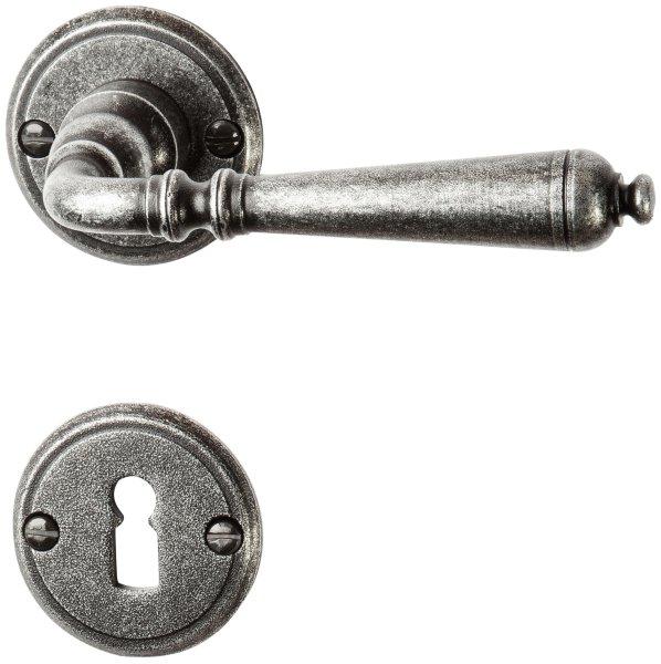 Rosettengarnitur in Eisen schwarz passiviert (PZ). Rosette: 53 mm, Griff: 140 mm Bild1